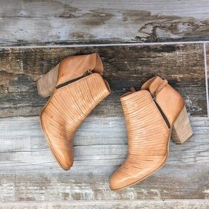 TAN PAUL GREEN MALIBU ANKLE BOOTS US 8